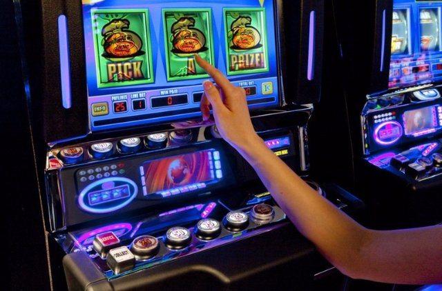 Игровые слот-автоматы Оливер Бар - играть на деньги онлайн